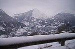 Vue sur la vallée de Luz Saint Sauveur depuis le village de Grust (Hautes Pyrénées) en mars 2007.
