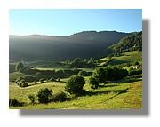 Lever du jour sur la campagne de Lescun en vallée d'Aspe. Juin 2008 - Pyrénées Atlantiques.