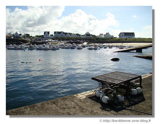 Le port de Trévignon (Trégunc), le 04 août 2008 vu de la digue - © http://borddemer.over-blog.fr