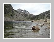 L'étang d'En beys dans la réserve d'Orlu près d'Ax les Thermes. Juin 2007 - Ariège.