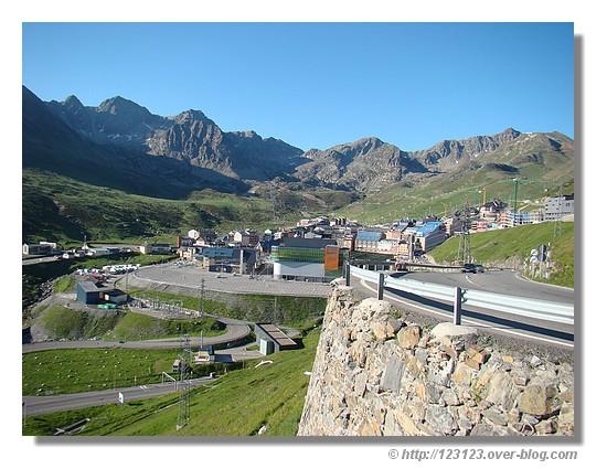 Le Pas de la Case en Andorre (Juin 2007) - © http://123123.over-blog.com