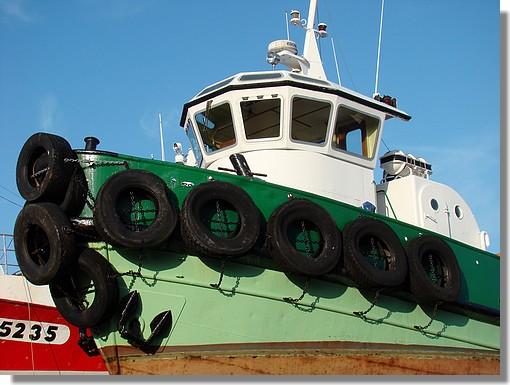 Gros plan sur le remorqueur du port de Concarneau, le Van Der Kemp II. Photo prise le 11 septembre 2009 sur le Slipway. - © http://borddemer.over-blog.fr