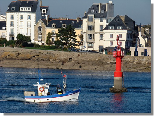 Retour au port. Photo prise le 15 octobre 2009. - © http://borddemer.over-blog.fr