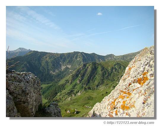 Paysage au-dessus d'Ax les Thermes (Ariège en juin 2007) - © http://123123.over-blog.com