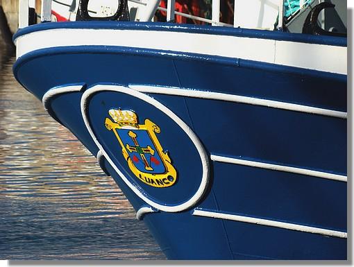 Gros plan sur un chalutier espagnol dans le port de Concarneau. Photo prise le 8 novembre 2009. - © http://borddemer.over-blog.fr