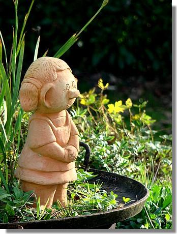Déco dans un jardin. Photo prise le 6 décembre 2009. - © http://borddemer.over-blog.fr
