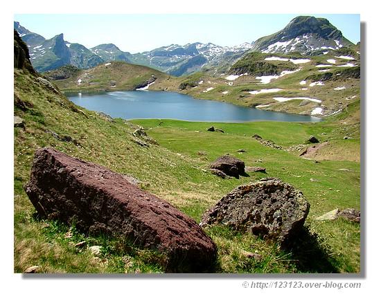 Le lac Gentau (Pyrénées Atlantiques - juin 2008). - &cophttp://123123.over-blog.com