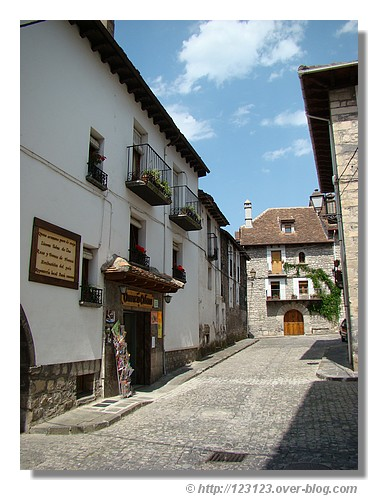 Rue de Hecho (Aragon - juin 2008) - © http://123123.over-blog.com