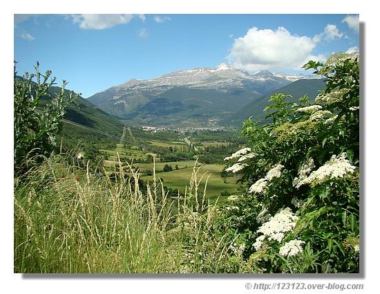 Pyrénées en juin 2008. Photo prise en Aragon - © http://123123.over-blog.com