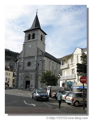 Le centre d'Argelès-Gazost dans les Hautes Pyrénées (mars 2008) - © http://123123.over-blog.com