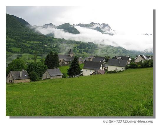 Couvert sur Lescun dans les Pyrénées Atlantiques en été 2008 - © http://123123.over-blog.com