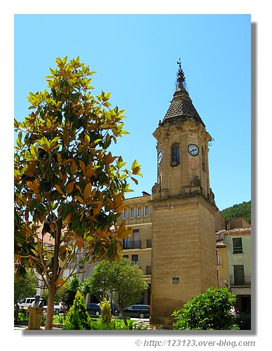 Ayerbe et son clocher (Argon, juin 2008). - © http://123123.over-blog.com