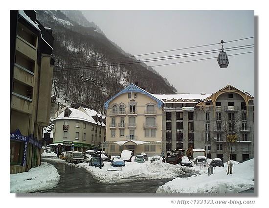 Cauterets dans les Hautes Pyrénées (hiver 2007) - © http://123123.over-blog.com
