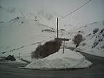 Route menant à la station de Luz Ardiden (mars 2007).