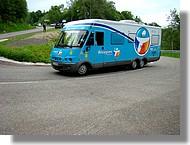 Le camping car de l'équipe Bouygues Telecom.