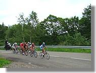 Le premier peloton en course pour la 3ème place de l'étape et mené par Le Boulanger Yoann.