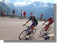 Daniel Martin (Slipstream) devant Luca Pierfelici (Acqua&Sapone). Daniel Martin est le vainqueur final de cette Route du Sud 2008.