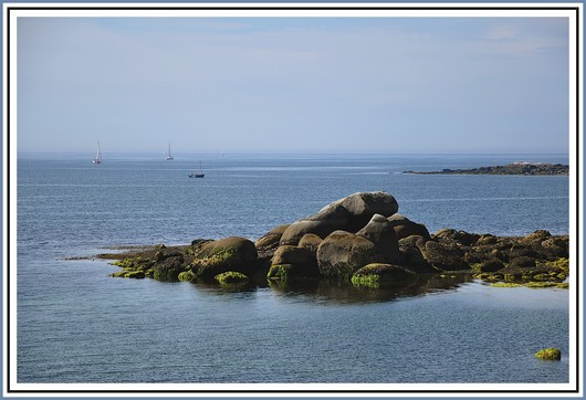 Calme plat sur la baie de Concarneau. Photo prise le 9 août 2010.
