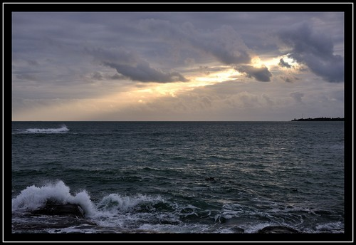 La corniche de Concarneau à marée haute