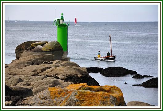 Retour au port de Concarneau. Photo prise le dimanche 11 avril 2010.