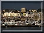 Concarneau et son port de plaisance, un dimanche de décembre