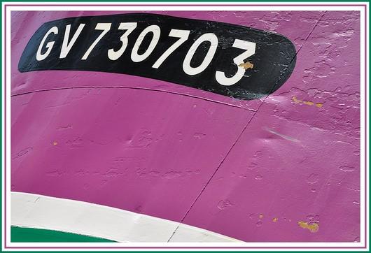 Gros plan sur la coque du chalutier bigouden Coppelia (GV 730703). Photo prise le 23 mai 2010 sur le Slipway.