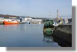 Le port avec plusieurs bateaux à quoi comme Les Vikings II (Saint Nazaire) à droite. Photo prise le 26 décembre 2010.