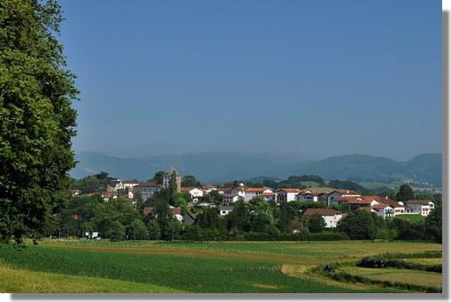 Sare (Sara en basque), village de près de 2 500 habitants, est classé parmi les plus beaux villages de France. Photo prise le 26 juin 2012.