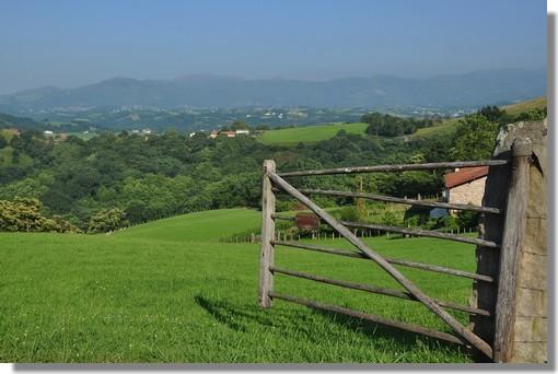 Le Pays Basque. Photo prise le 26 juin 2012 au-dessus du village de Sare.