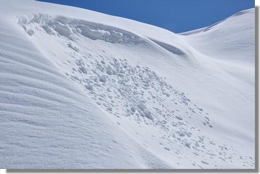 La neige se fait attendre dans les Pyrénées. L'ouverture des stations est reportée au week end du 11, et peut être au 18 décembre 2011. Photo prise le 18 mars 2011 près de la station de Gavarnie Gèdre (Hautes Pyrénées).