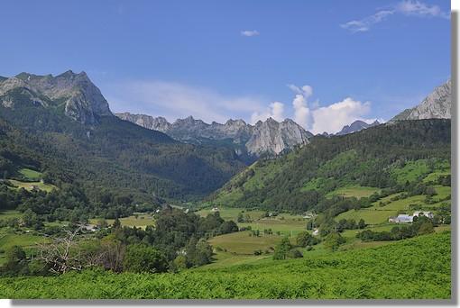 Les environs de Lescun en vallée d'Aspe. Photo prise le 2 juillet 2010.