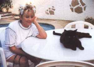 Annie Cordy chat noir