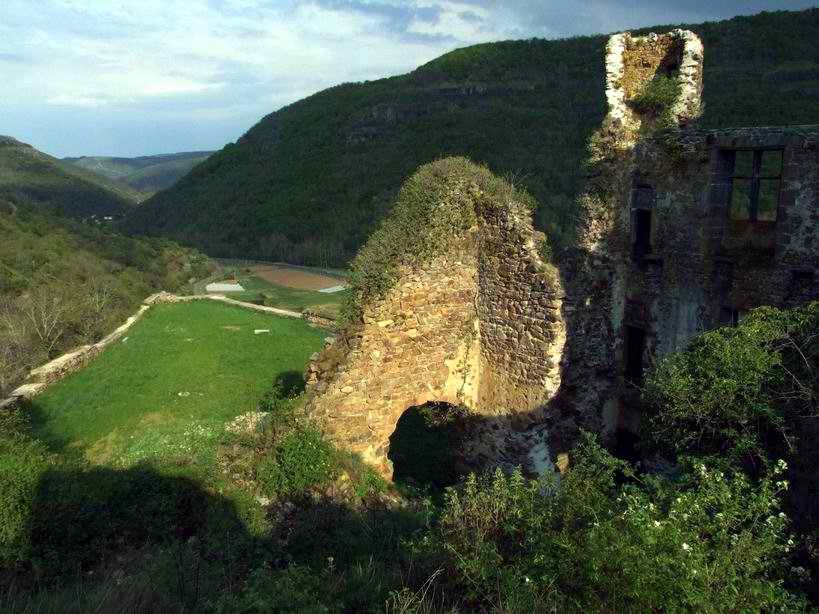 Avec ses collines et ses rivières, les paysages du Cantal sont merveilleux !